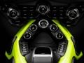 2019 Aston Martin Vantage9