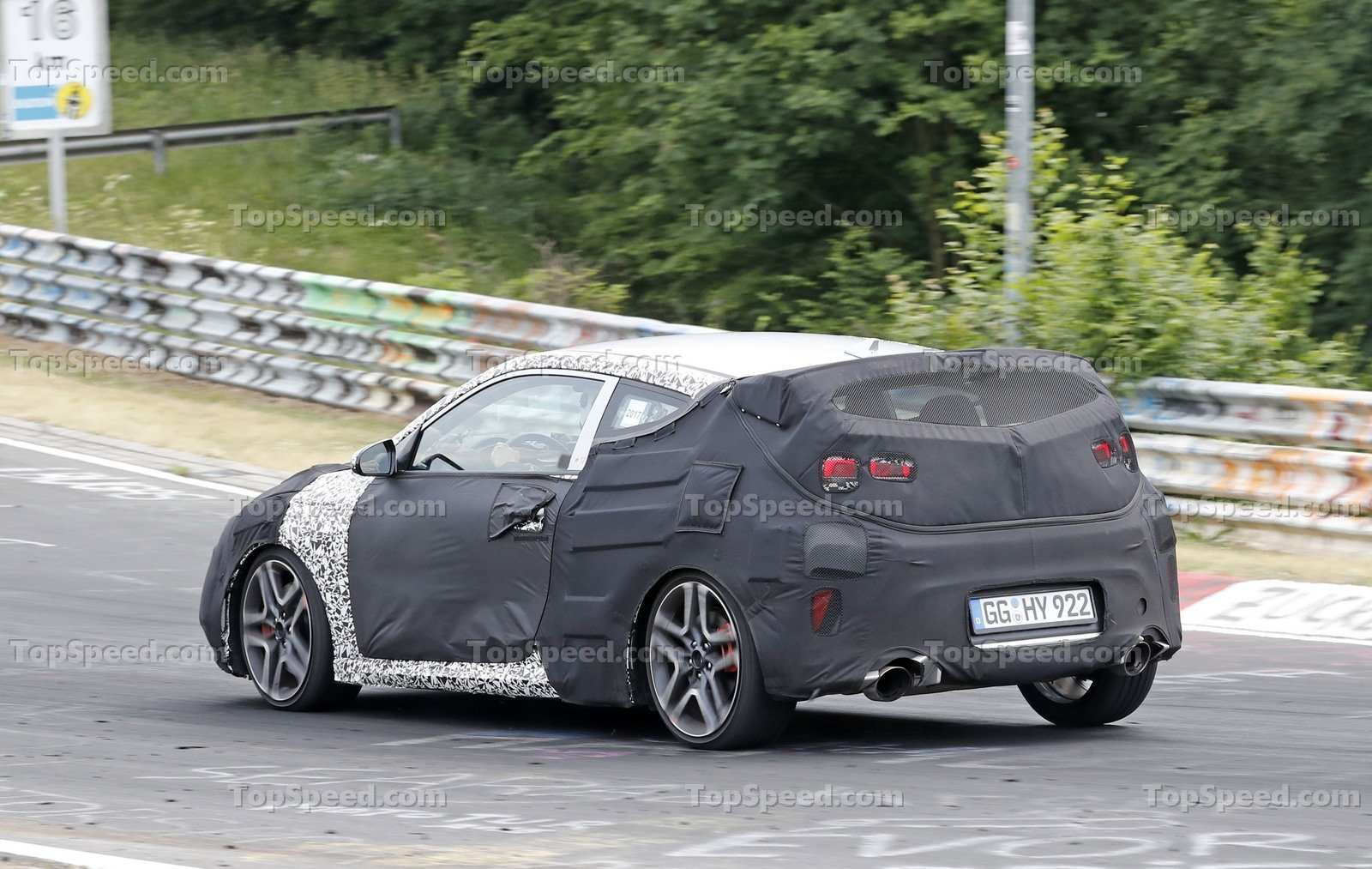 Hyundai Veloster N also Hyundai Veloster Side Pictures X together with Hyundai Veloster N Spy further Hyundai Santa Fe furthermore Hyundai Santa Fe Front Left. on 2017 hyundai veloster release date