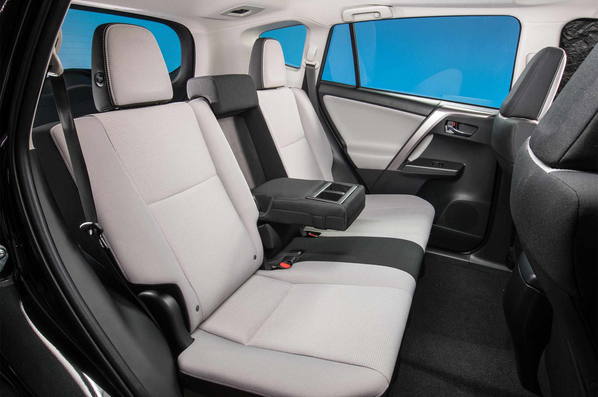 Toyota Rav B on Toyota Prius Hybrid Interior
