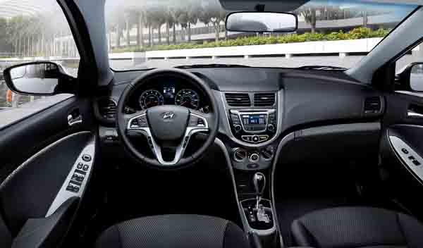 2016 Hyundai Accent Interior and Exterior7