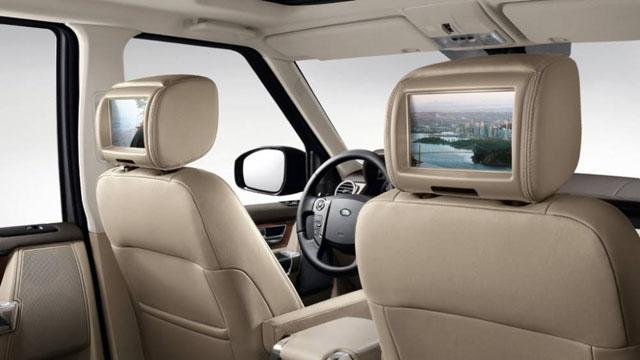 2017 Land Rover LR Interior