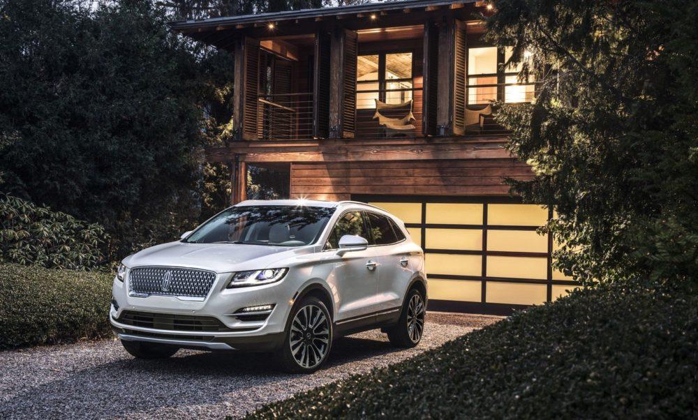 Best Hybrid Suv 2017 >> 2019 Lincoln MKC * Specs * Price * Interior * Engine * Design